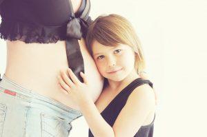 Beneficios de los masajes para embarazadas. Centro de masaje prenatal en Sevilla.